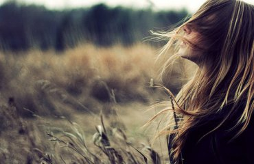 alone-forest-girl-hair-photography-Favim.com-341109_large